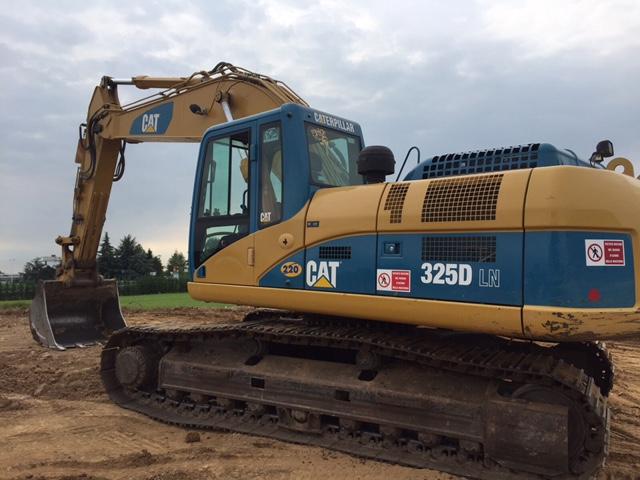 Escavatore cingolato Caterpillar 325 D LN anno ...