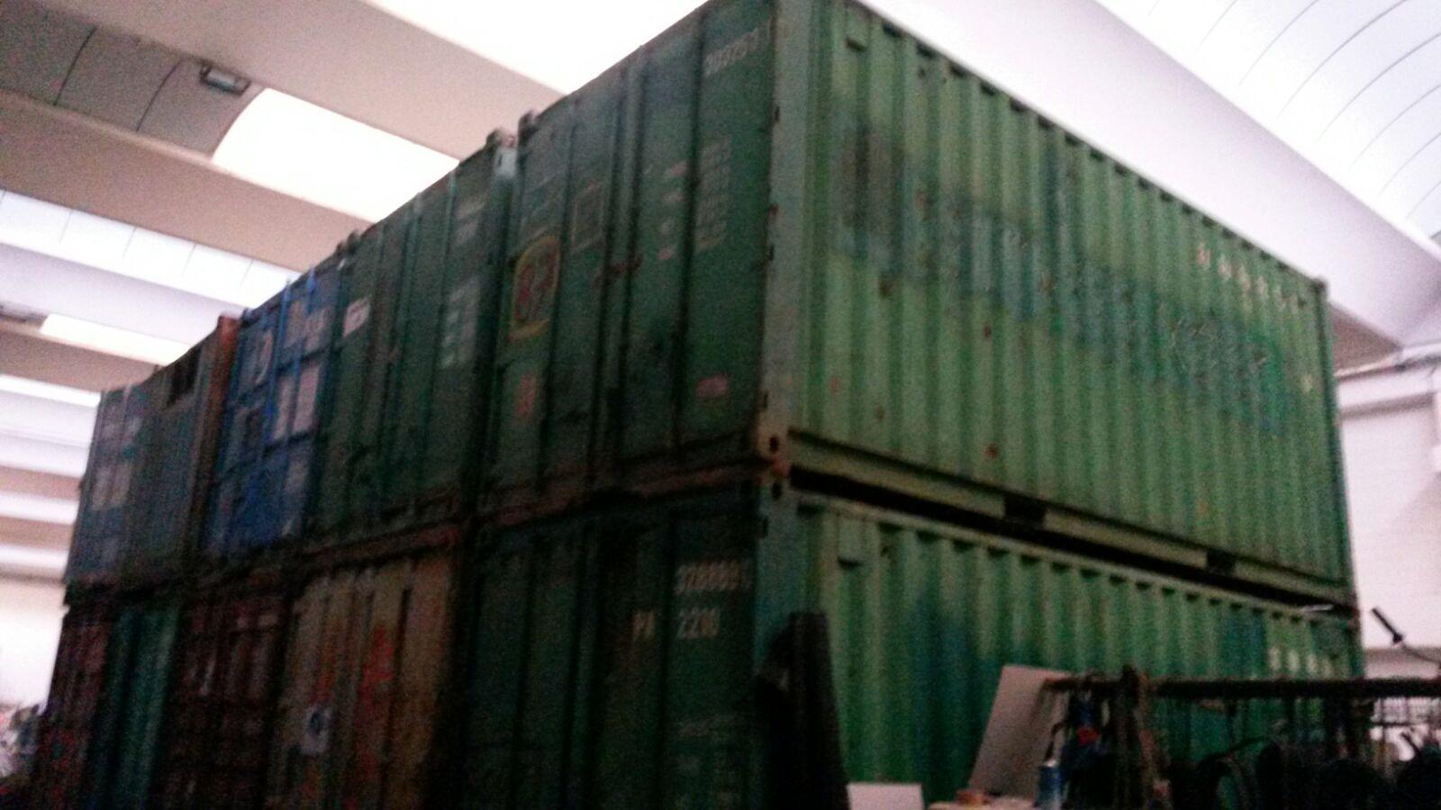 Importante lotto di Container in ferro e Box uf...