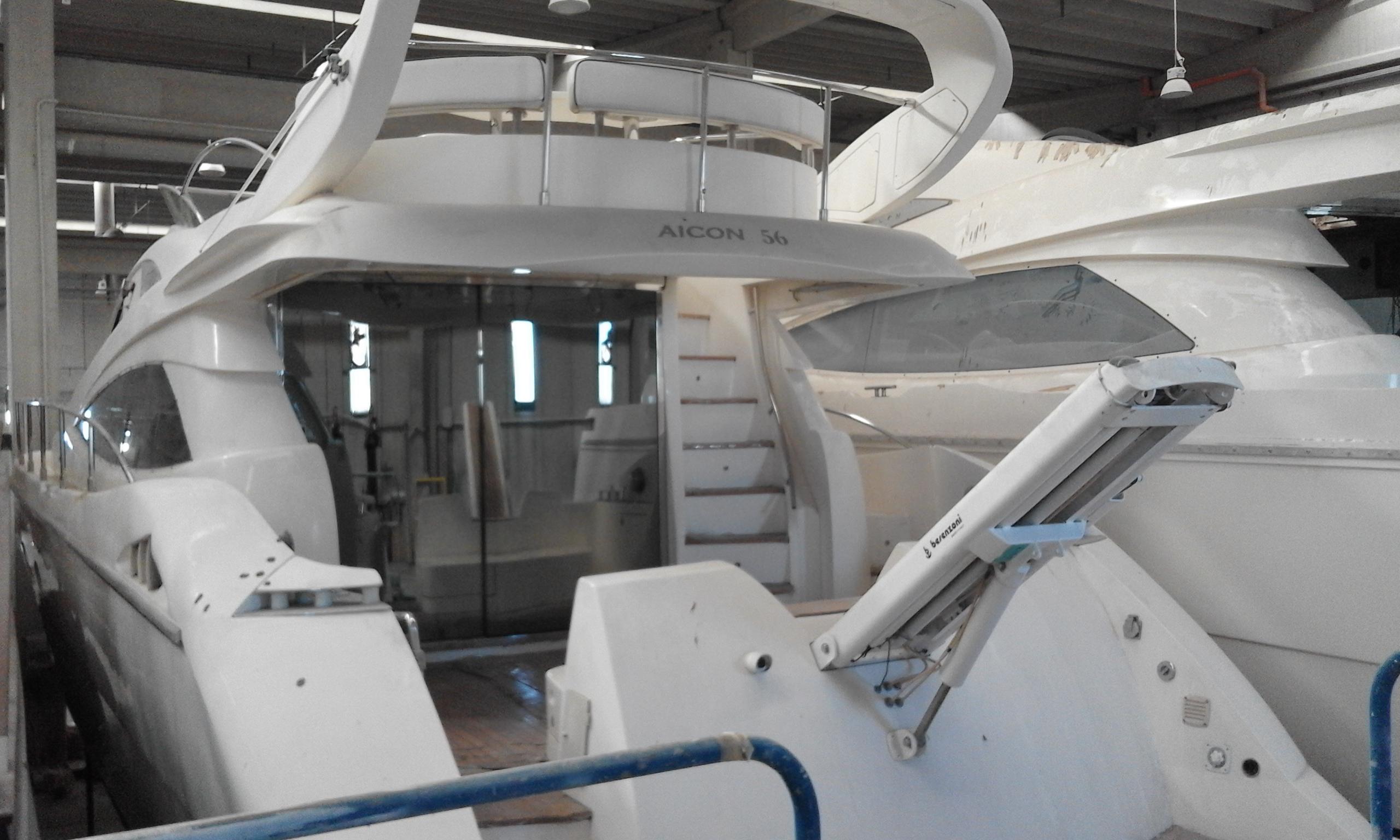 Imbarcazione Aicon Fly 56-133