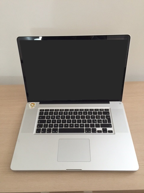 Apple MacBook Pro (1° di2)
