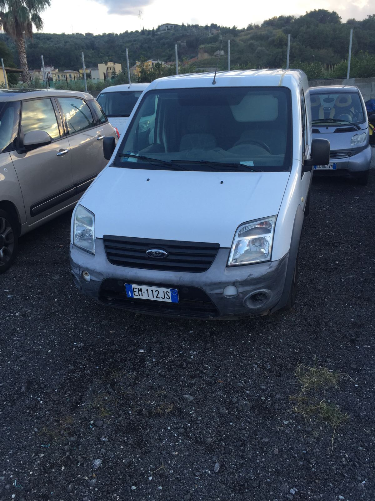 N. 1 AUTOCARRO FORD TRANSIT CONNECT