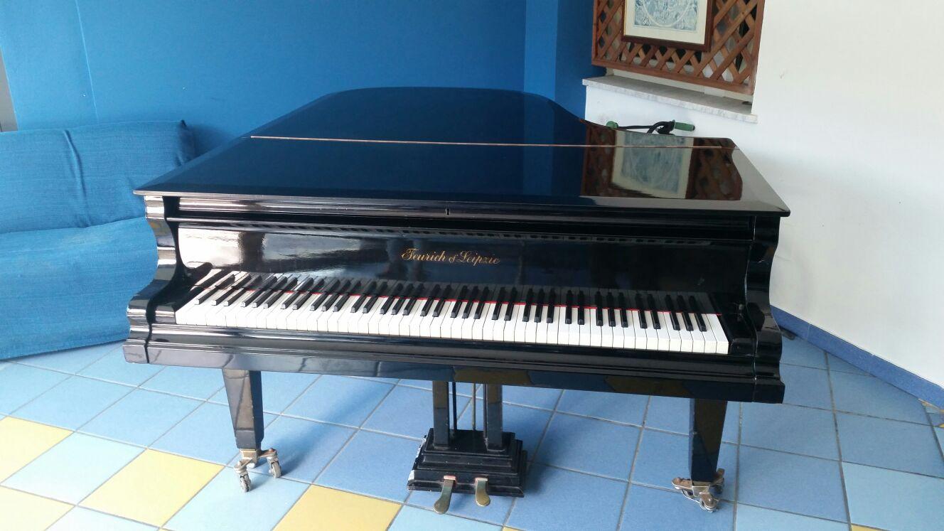 N. 1 PIANOFORTE A CODA
