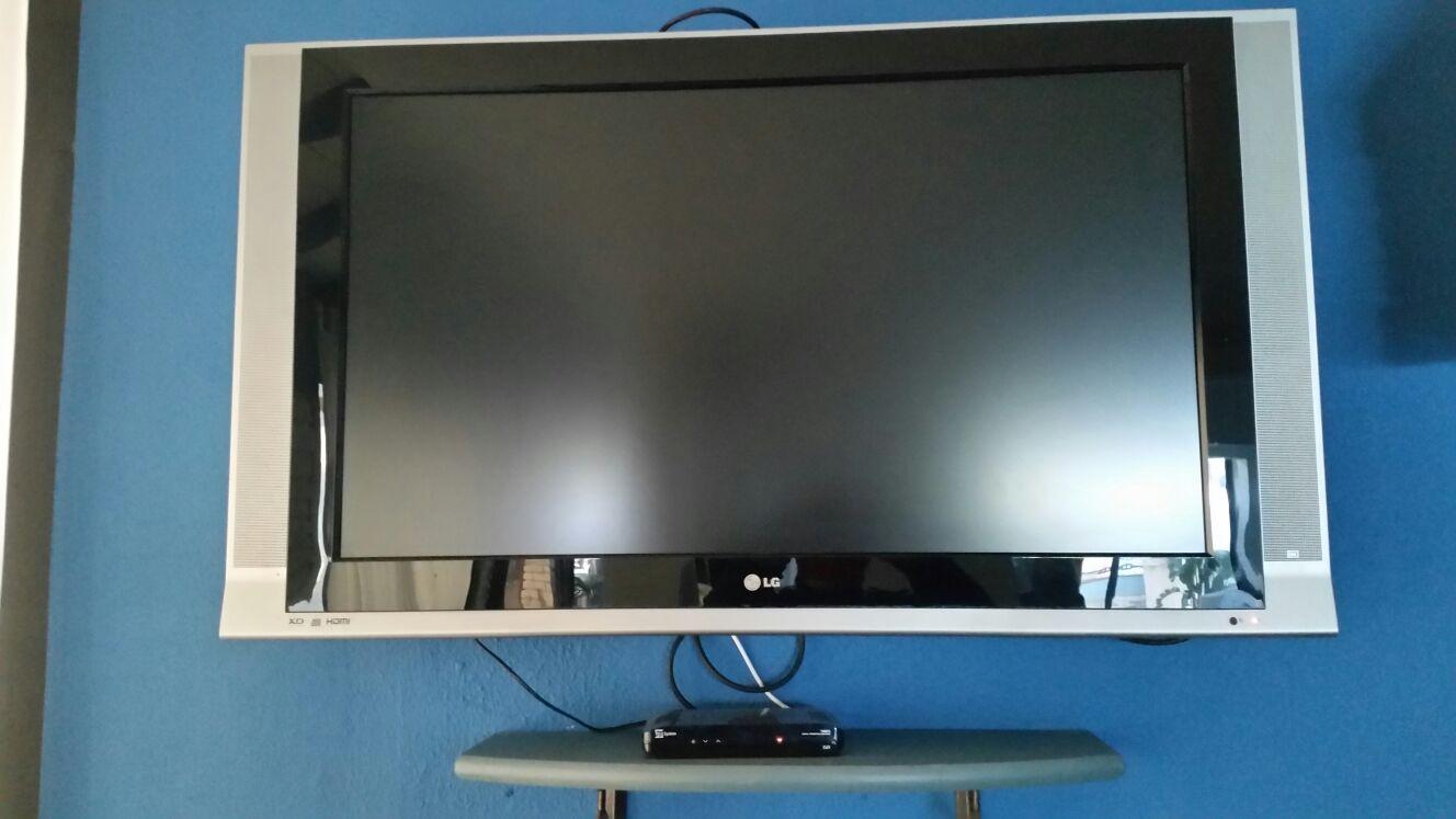 N. 1 TV COLOR LG 48