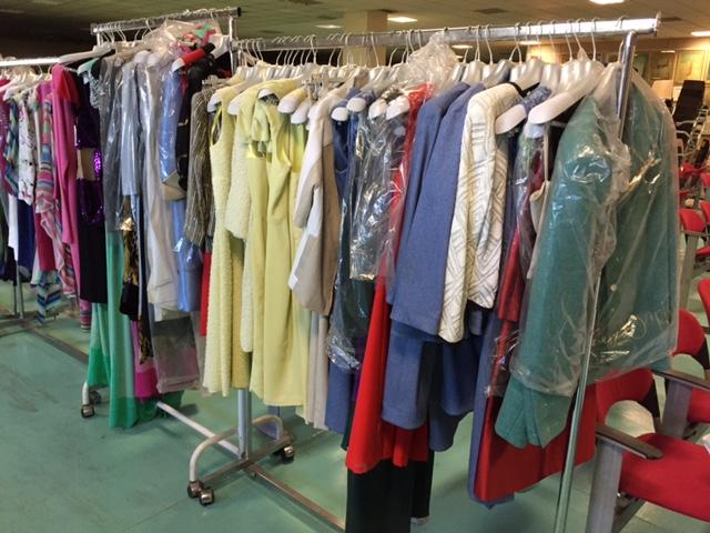 Lotto composto da ingente quantitativo di abbigliamento