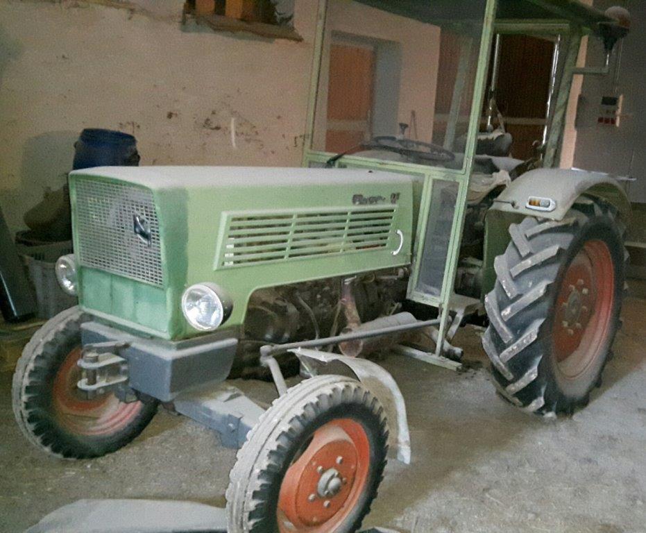 Trattore /  Traktor  marca Fendt