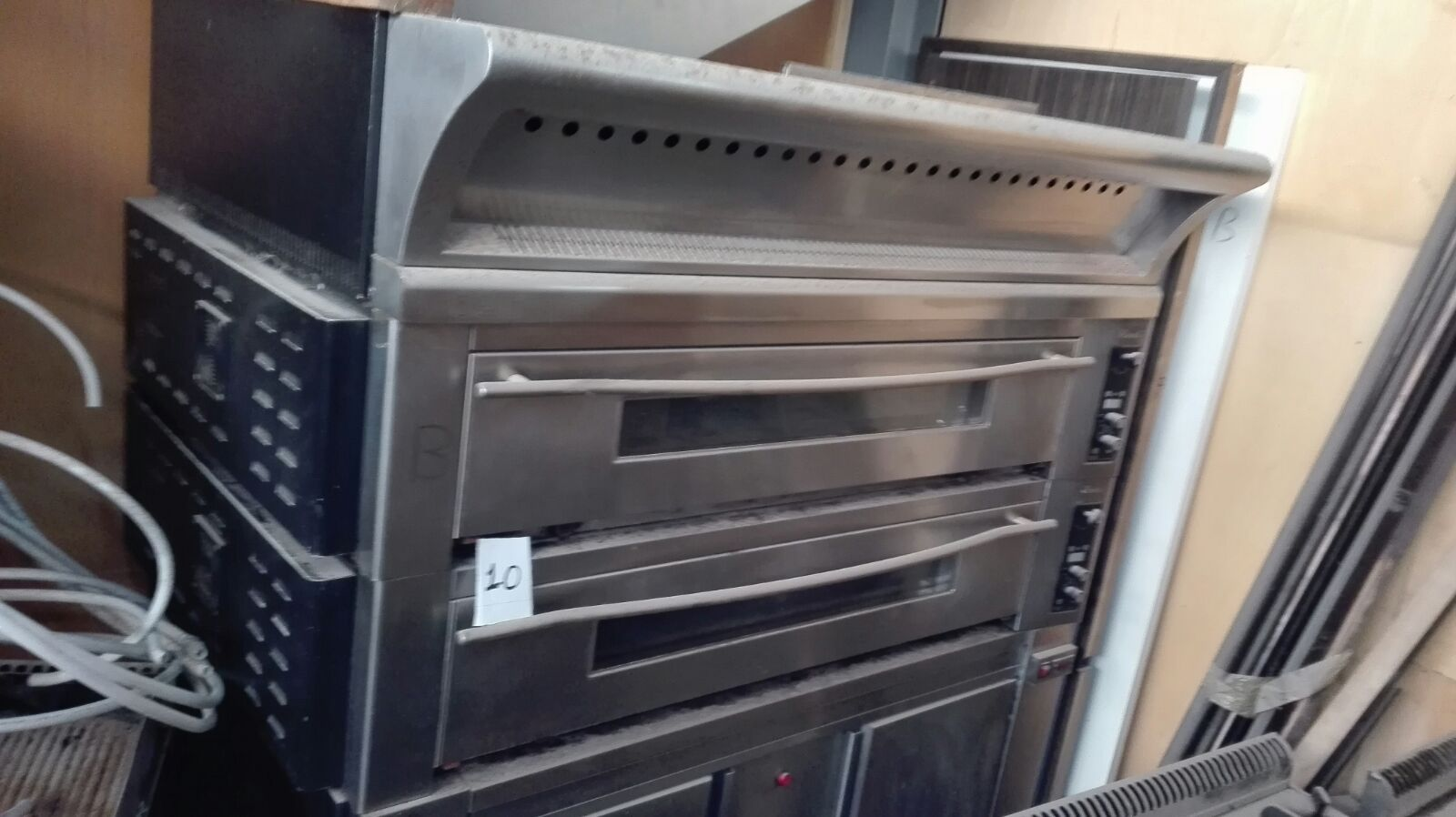 N. 1 FORNO PIZZERIA A 2 CAMERE