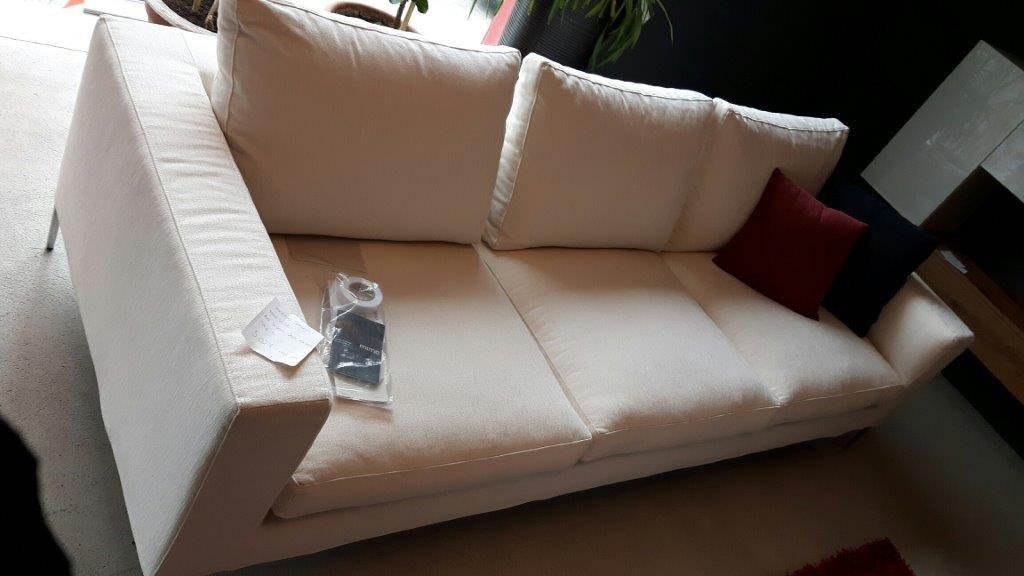 1 divano modello Fly / 1 Divan Modell  Fly