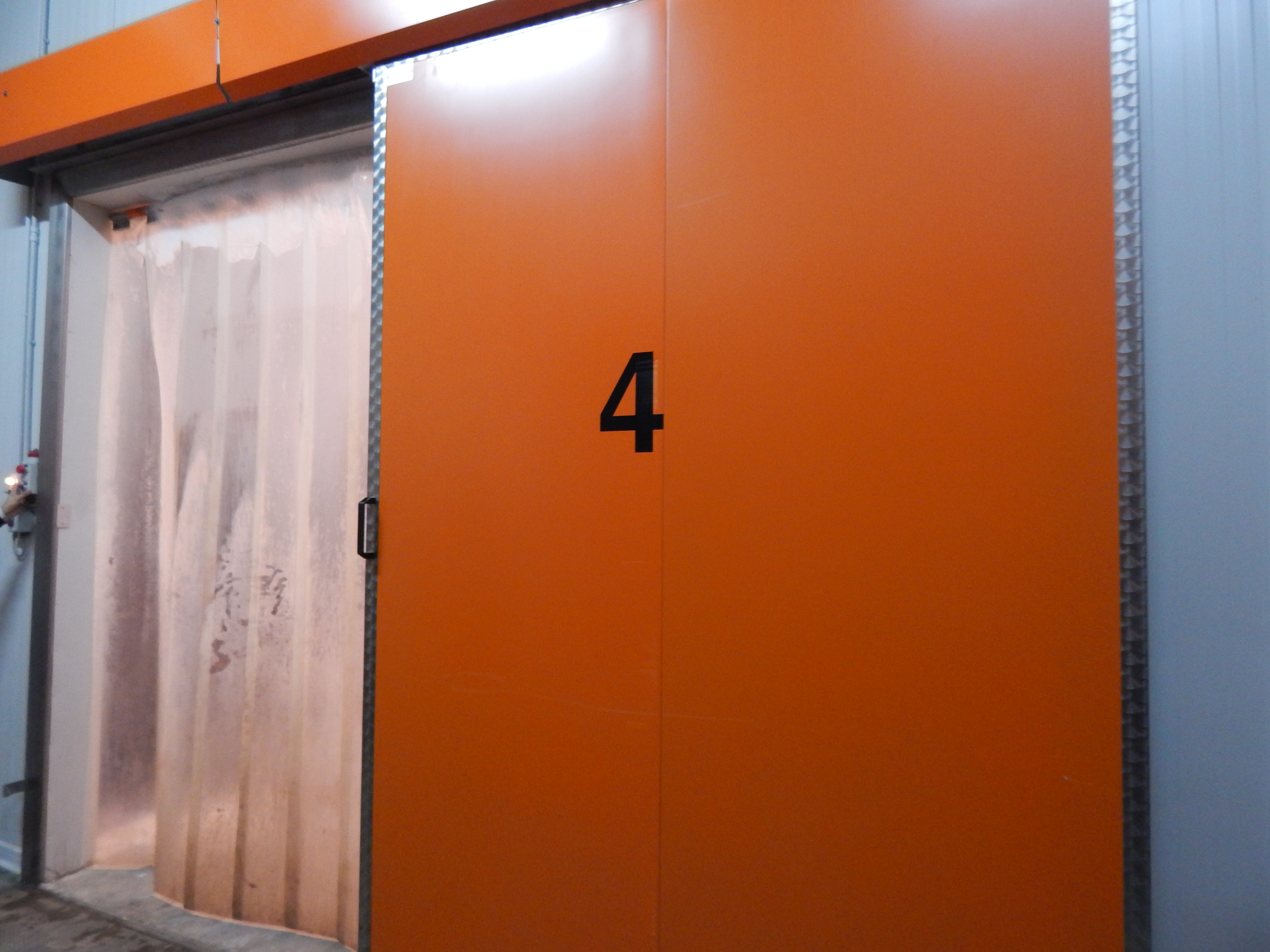 Celle frigorifere e accessori vari comprese sca...