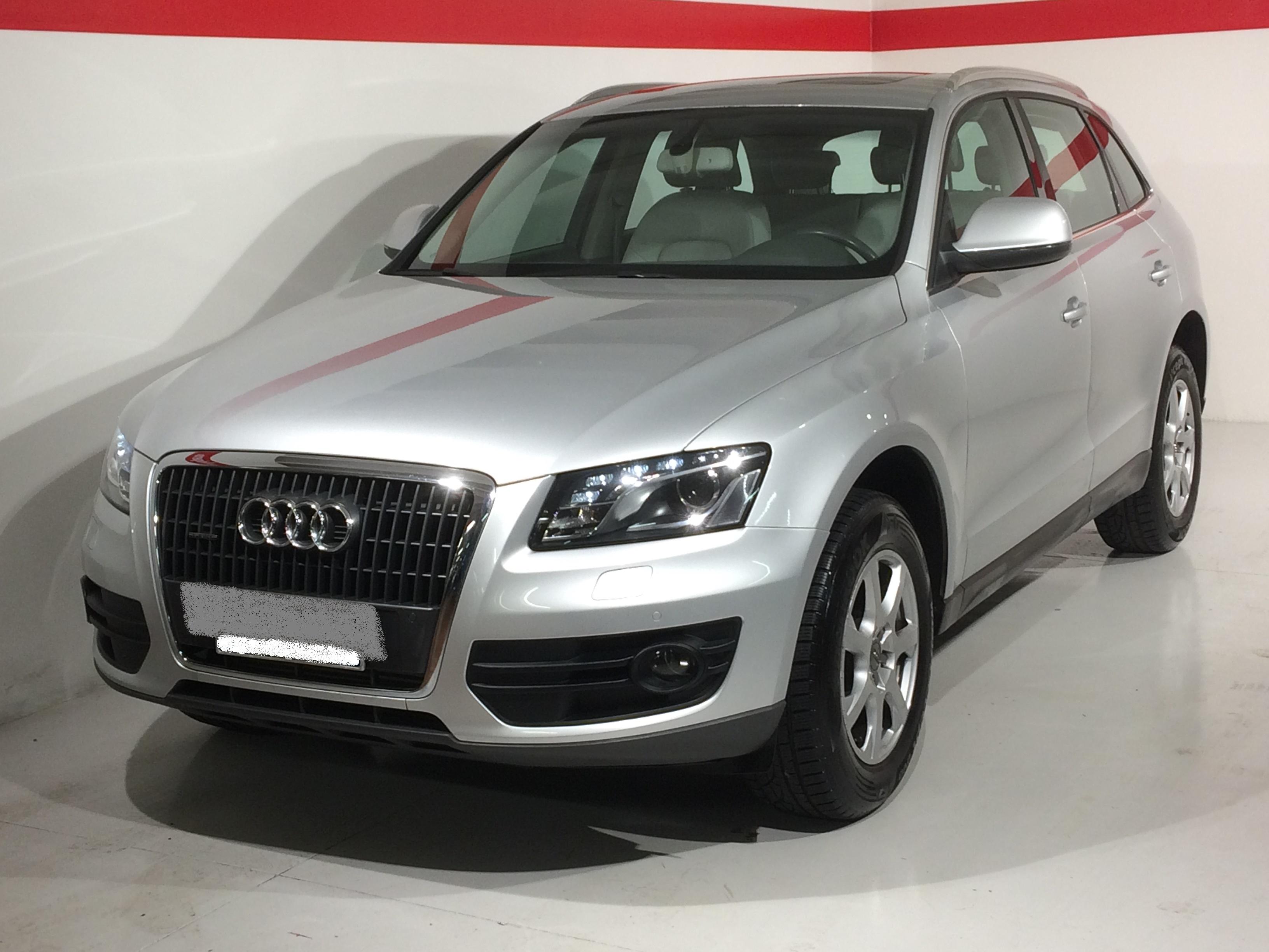 Autovettura Audi Q5 2.0 TDI