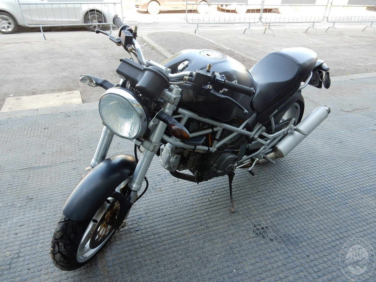 Motociclo Ducati Monster Dark
