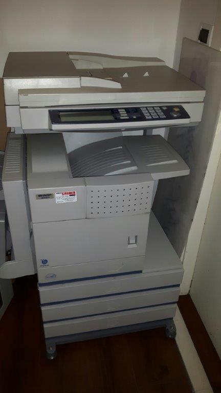 Arredi e macchine da ufficio / Möbel und Büroausstattung