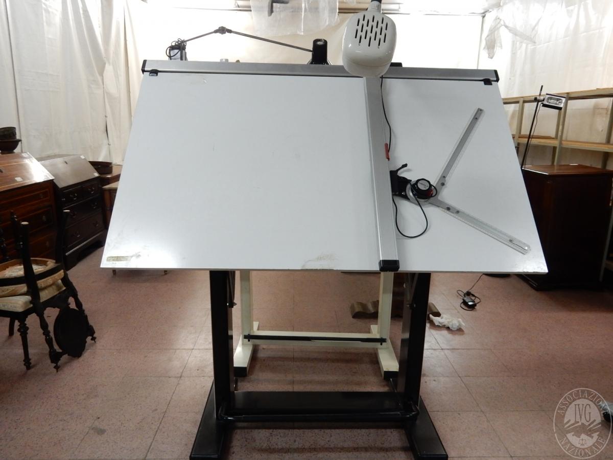 Rif. 4) Tavolo tecnigrafo