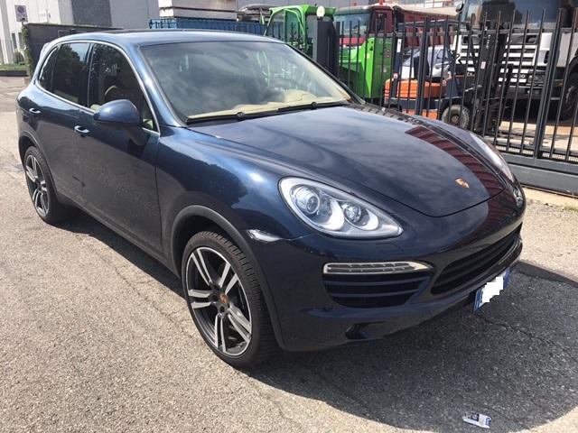 Autovettura Porsche Cayenne 3.0 D
