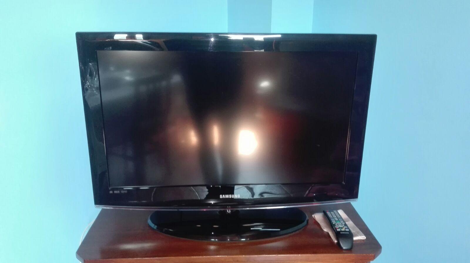 1 TV COLOR
