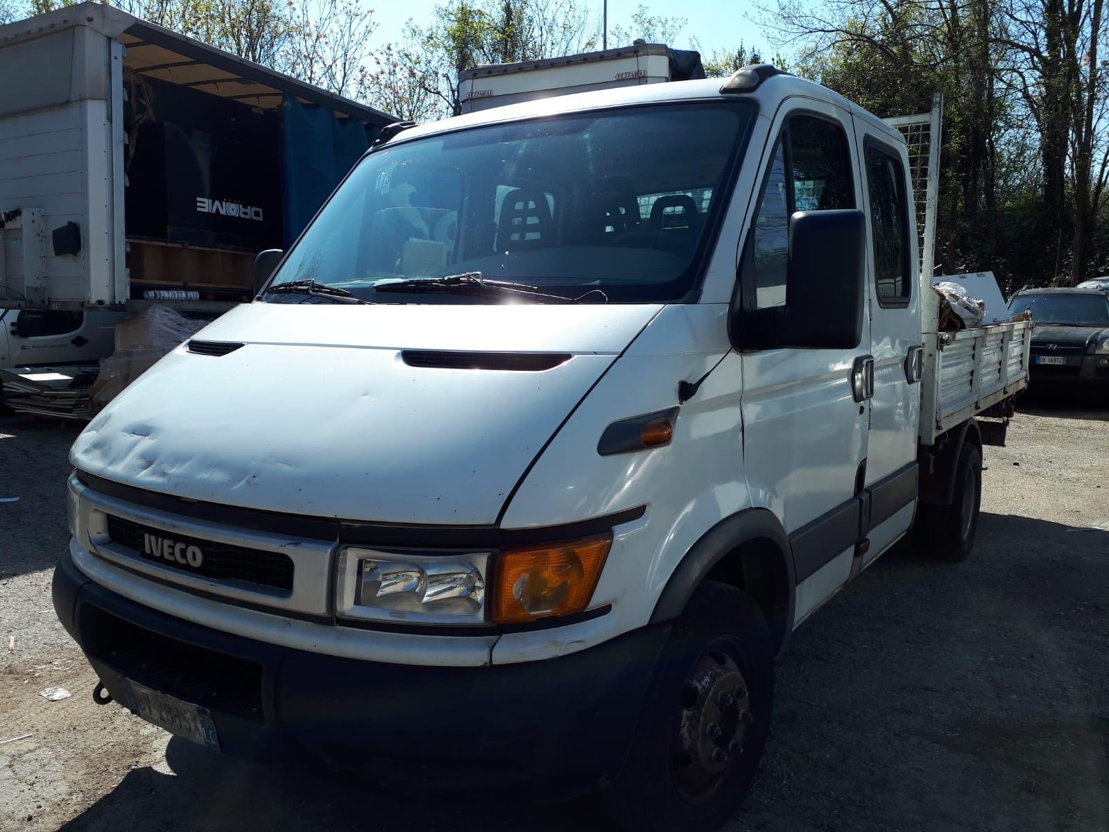 Autocarro Iveco Daily 35C11A targato BV 288 SX,...