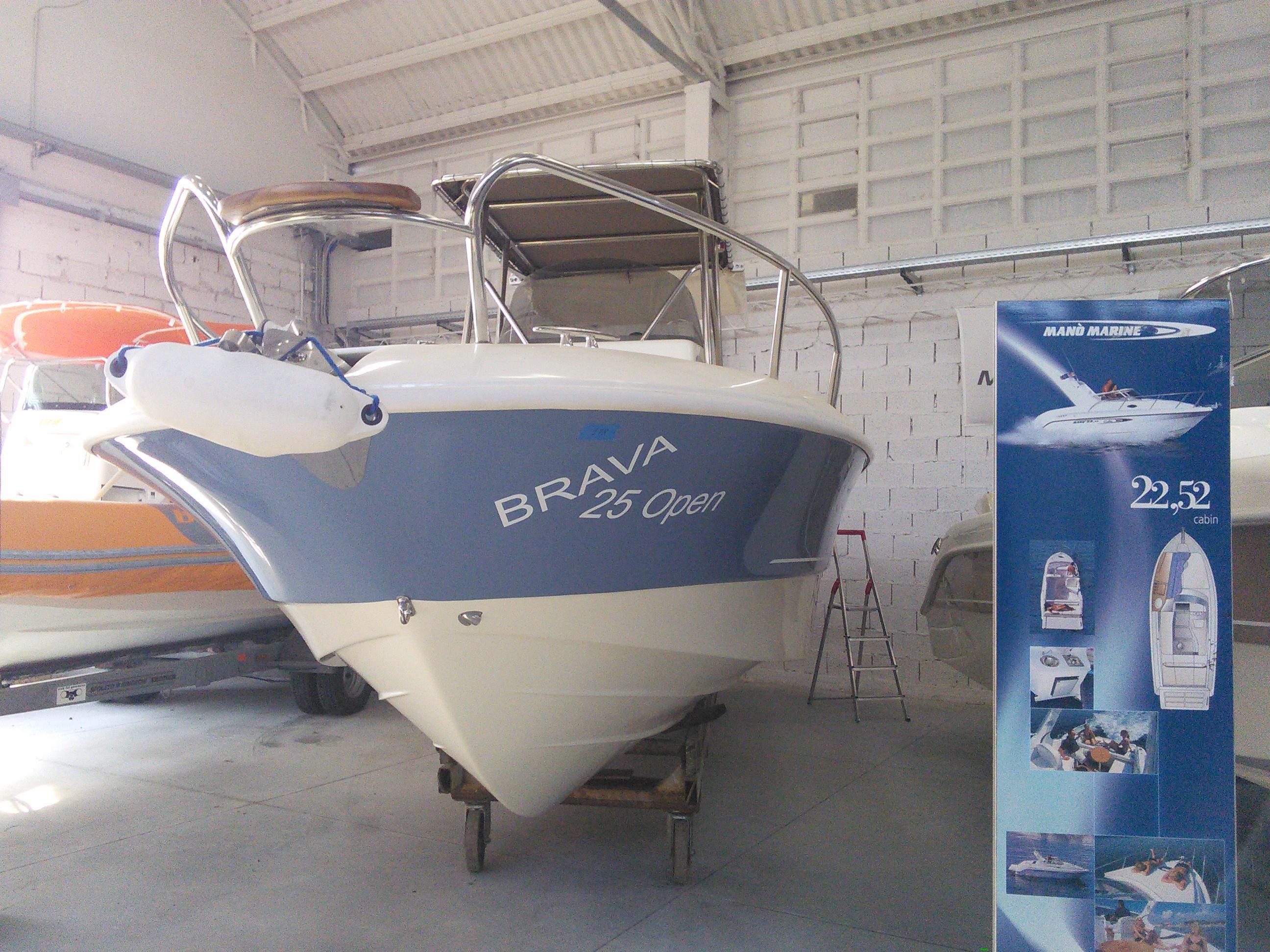 Imbarcazione MINGOLLA BRAVA 25 OPEN