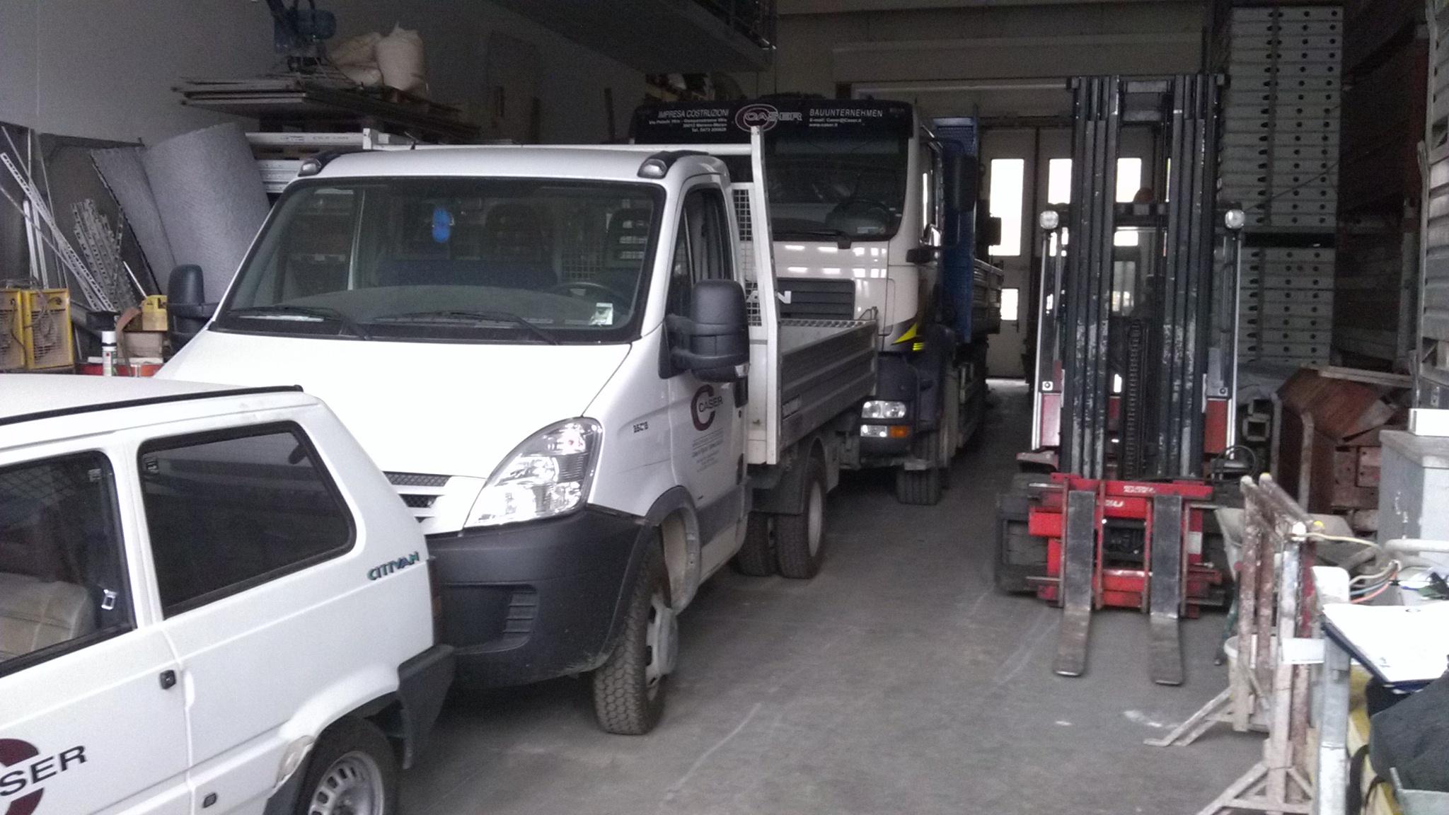 Attrezzature per l'edilizia e automezzi