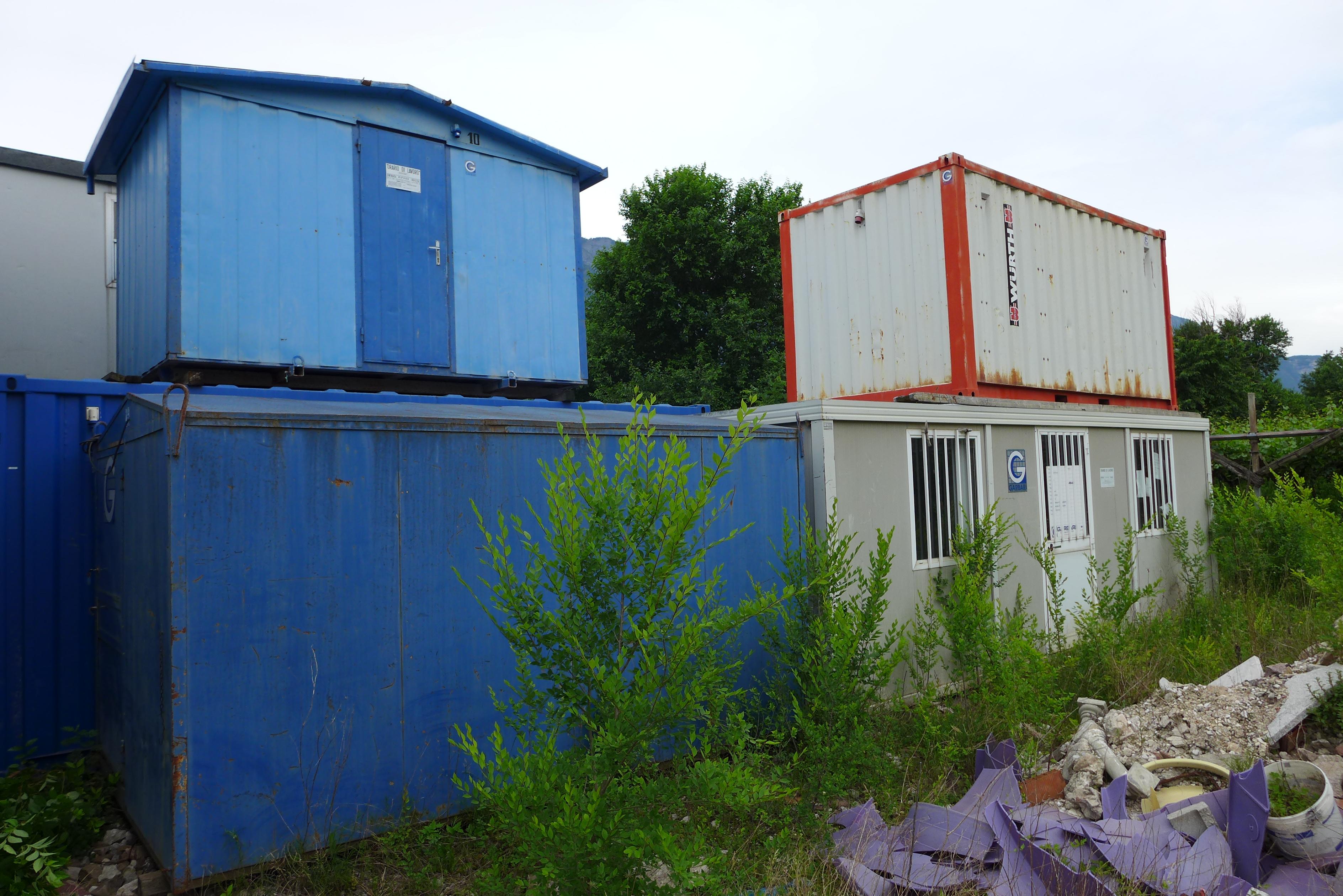 Containers e baracche