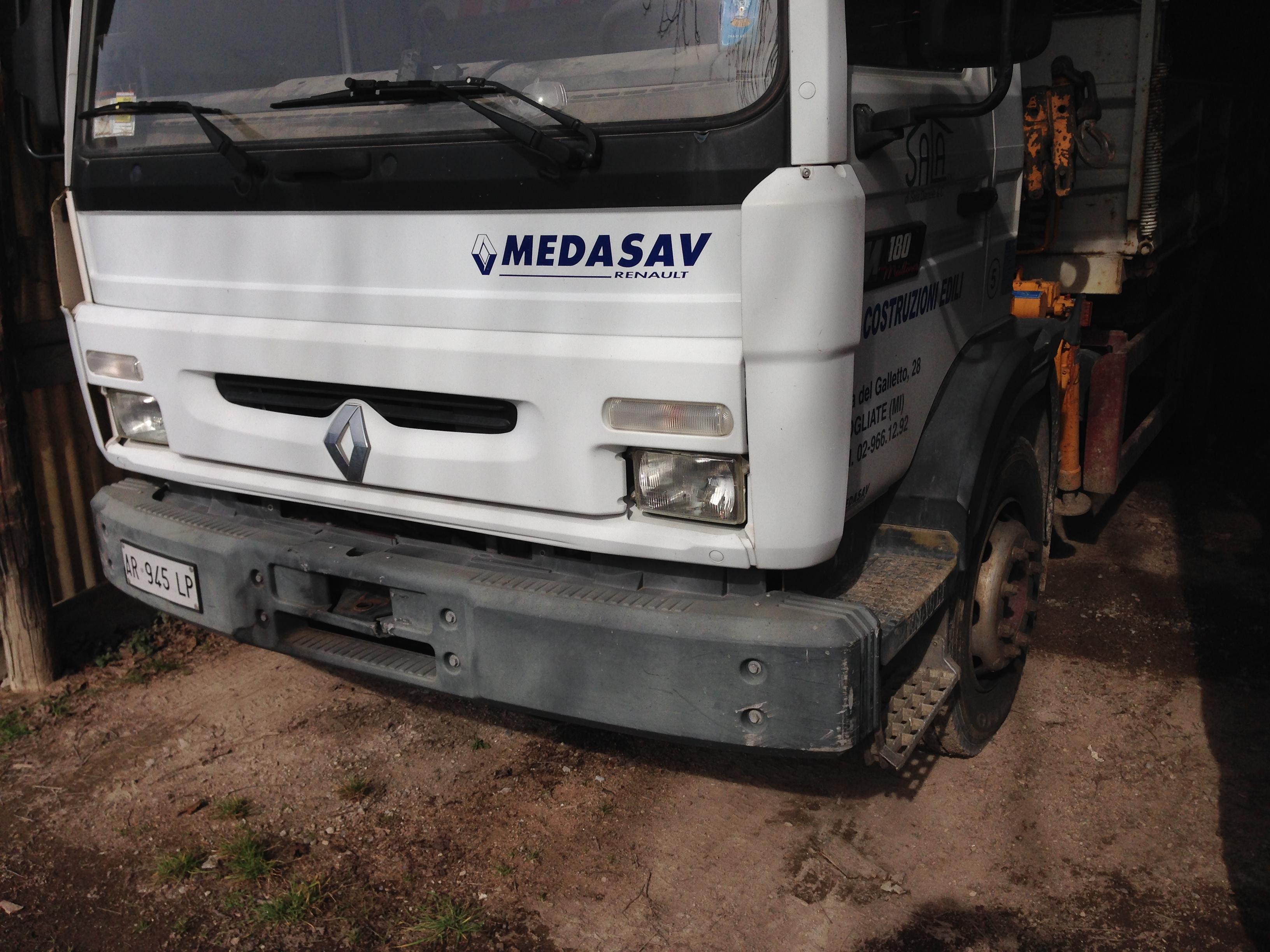 Autocarro Renault 180 con cassoneribaltabile di...